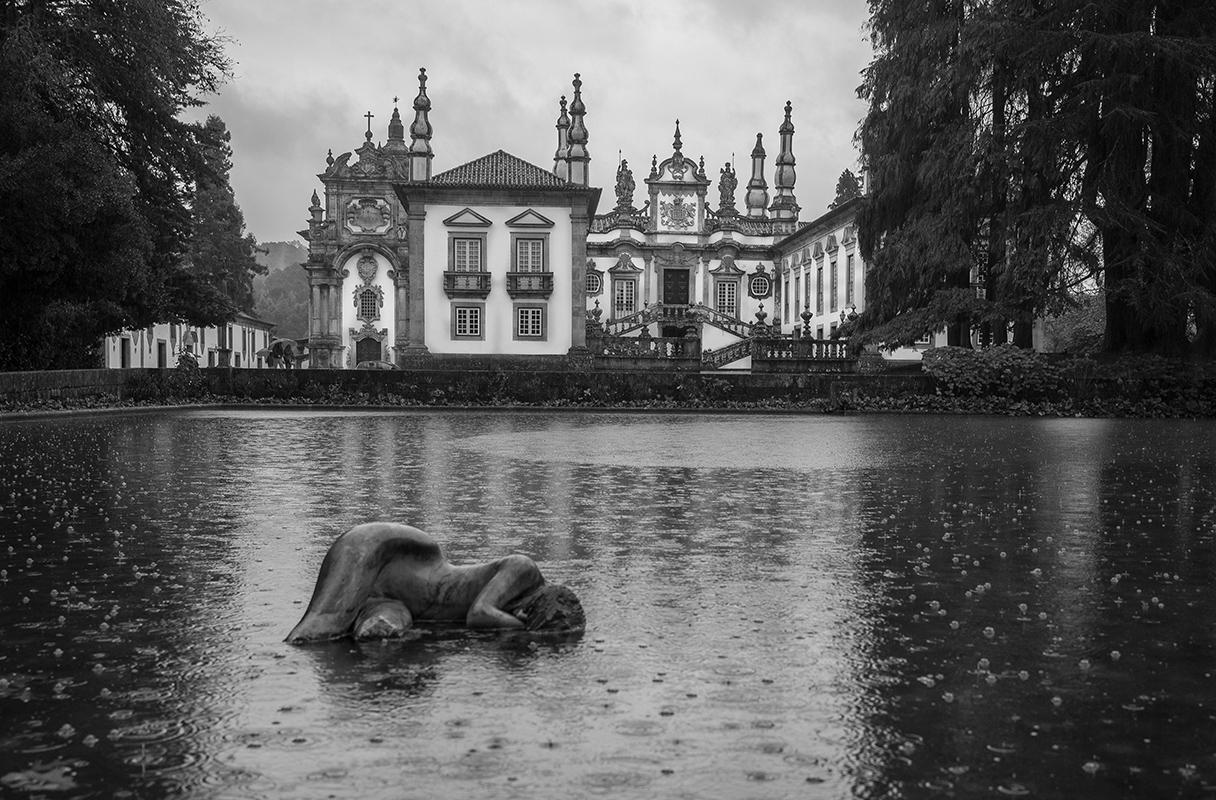 Rainy Night at Mateus Palace - Digital(Monochrome) - Bob Muschewske