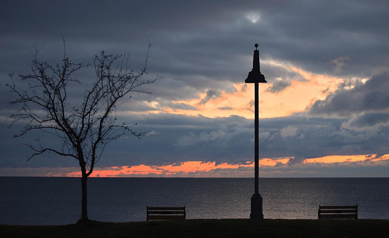 Duluth Waterfront - Digital(Silhouette) - Pat Schwope