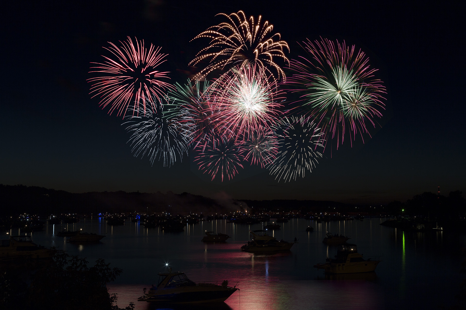 Hudson Fireworks - Digital (Artificial Light) - Name Withheld Per Request